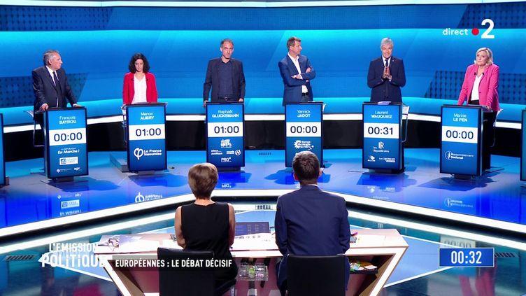 François Bayrou, Manon Aubry, Raphaël Glucksmann, Yannick Jadot, Laurent Wauquiez et Marine Le Pen, le 22 mai 2019 sur le plateau de France 2. (FRANCE 2)