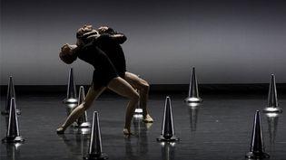 """""""Sinfonia""""du chorégraphe Thierry Malandain, inspiré par le confinement, présenté au Teatro Victoria Eugenia de Donostia de San Sebastián en Espagne le 10 avril 2021. (ANDER GILLENEA / AFP)"""