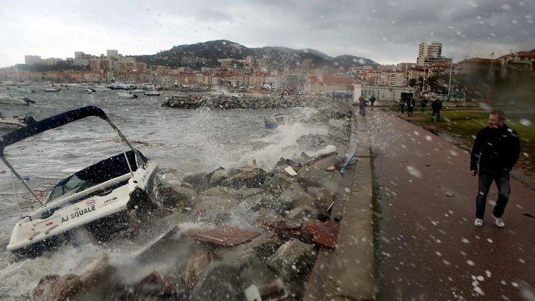 Tempête en Corse à Ajaccio, décembre 2017. (MAXPPP)