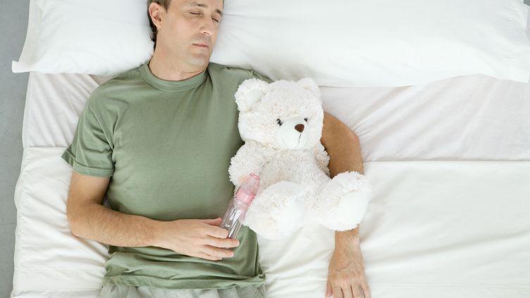 Le gèneABCC9 augmenterait les besoins de sommeil d'environ 30 minutes par jour. (ALE VENTURA / AFP)