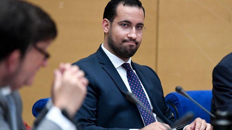 Alexandre Benalla, le 19 septembre 2018, devant les sénateurs de la commission d'enquête sur les violences commises le 1er mai 2018. (BERTRAND GUAY / AFP)