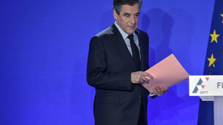 François Fillon arrive à sa conférence de presse, le 6 février 2017, à Paris. (JULIEN MATTIA / NURPHOTO / AFP)