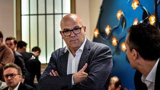 Bruno Bonnell, candidat La République en marche dans la 6e circonscription du Rhône, lors d'une conférence de presse, le 16 mai 2017 à Lyon. (JEFF PACHOUD / AFP)
