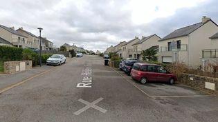 C'est dans cette rue que deux fillettes ont été retrouvées mortes à leur domicile, le 21 juillet 2021, à Le Relecq-Kerhuon (Finistère). (GOOGLE STREET VIEW)