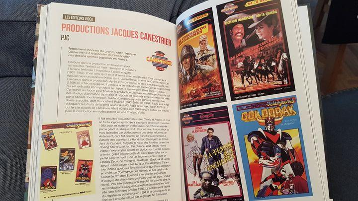 """Double page de """"VHS Story"""" de Lucas Balbo. (EDITIONS LUCAS BALBO)"""