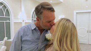 Mariages : de Las Vegas à Delhi, les mariés se disent oui malgré la pandémie (France 2)
