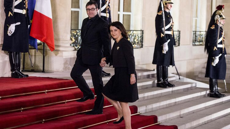 Cécile Duflot,la ministre du Logement, et son compagnon, Xavier Cantat, le 11 décembre 2012 à l'Elysée, à Paris. (MAXPPP)