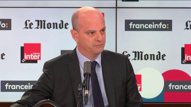Jean-Michel Blanquer, le ministre de l'Education nationale, était l'invité de Questions politiques sur franceinfo et France Inter dimanche 18 octobre. (FRANCEINFO)