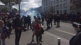 La manifestation contre la réforme du Code du travail à Lyon (Rhône), le 12 septembre 2017. (YANN KUSY / FRANCE 3 AUVERGNE RHONE ALPES)