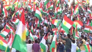Devant une foule galvanisée, le président du Kurdistan irakien Massoud Barzani a martelé vendredi son intention de tenir lundi son référendum d'indépendance. (GILLES GALLINARO / RADIO FRANCE)