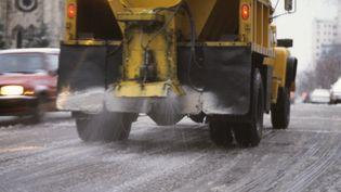 A Milwaukee (Etats-Unis), les saleuses pourraient laisser la place à des camions déversant de la saumure de fromage sur les routes en hiver. (J/J IMAGES - J MORRILL PHOTO / PHOTOLIBRARY RF / GETTY IMAGES)