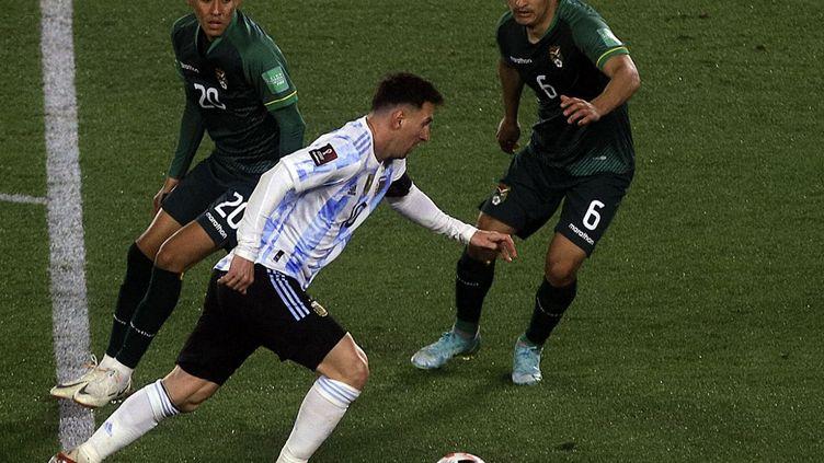 L'Argentin Lionel Messi lors de la victoire de l'Albiceleste contre la Bolivie (3-0), jeudi 9 septembre 2021. (MARIANO GABRIEL SANCHEZ / ANADOLU AGENCY / AFP)