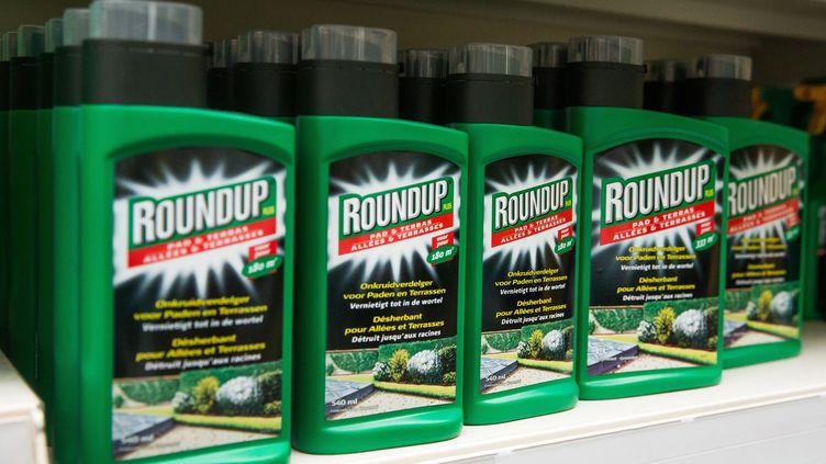 """Le glyphosate est notamment commercialisé par Monsanto sous la marque """"Roundup"""". (MAXPPP)"""