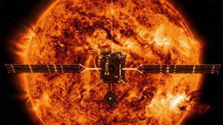 Vue d'artiste montrant la sonde Solar Orbiter à proximité du Soleil. (NASA / AFP)