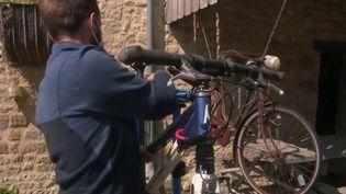 Innovation : à la découverte des réparateurs de vélos mobiles (France 2)