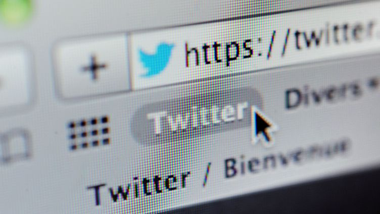 Le site de microblogging Twitter a lancé une nouvelle application pour partager des vidéos, jeudi 24 janvier. (FRED TANNEAU / AFP)