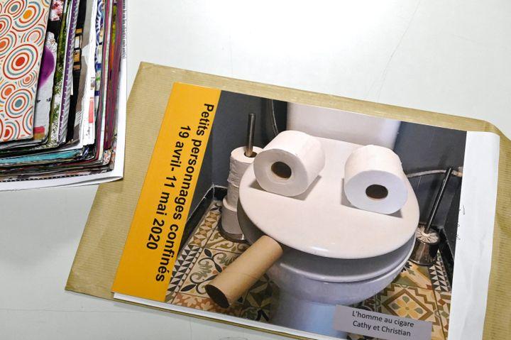 """L'""""homme au cigare"""" est un des objets du confinement recueillis par la Mucem (1er février 2021) (NICOLAS TUCAT / AFP)"""