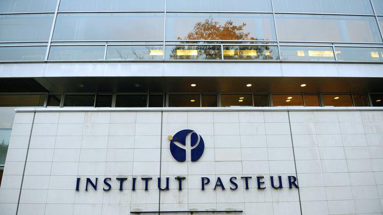 Novembre 2008, le bâtiment de l'Institut Pasteur, à Paris. (LIONEL BONAVENTURE / AFP)