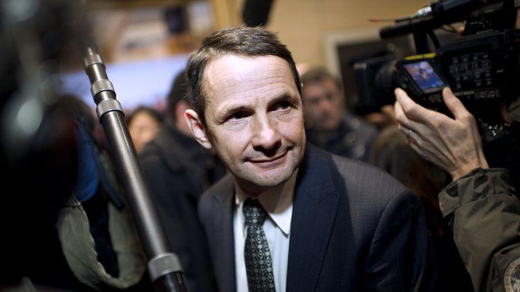 Le porte-parole du groupe socialiste à l'Assemblée nationale, Thierry Mandon, le 16 novembre 2011 à Paris, lors de la campagne pour les primaires de son parti. (FRED DUFOUR / AFP)