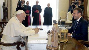 Emmanuel Macron rencontre le pape François au Vatican, le 26 juin 2018. (ALESSANDRA TARANTINO / AFP)