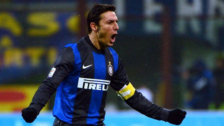 Javier Zanetti (Inter Milan) heureux après la victoire face à Pescara (OLIVIER MORIN / AFP)