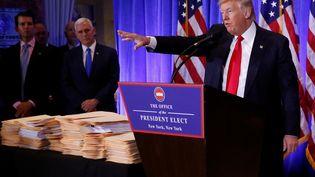 Le président-élu Donald Trump donne sa première conférence de presse, le 11 janvier 2017, à la Trump Tower, à New York (Etats-Unis). (SHANNON STAPLETON / REUTERS)