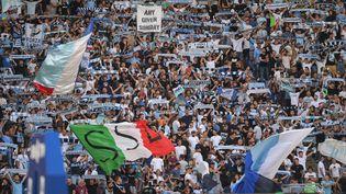 Des tifosi de la Lazio, lors de la réception de Spezia Calcio, le 28 août 2021 au Stadio Olimpico. (GIUSEPPE MAFFIA / NURPHOTO)