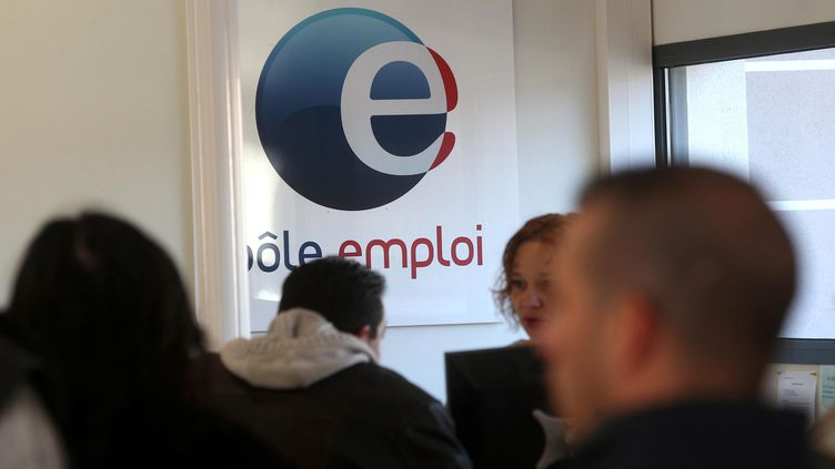 Un homme s'est fait passer pour un chômeur en créant de faux documents : il a indûment touché deux millions d'euros. (  MAXPPP)