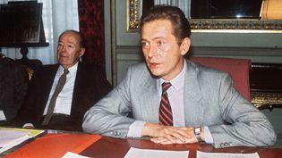Dominique Baudis dans la mairie de Toulouse (Haute-Garonne), le 27 février 1985. (JEAN-PIERRE MULLER / AFP)