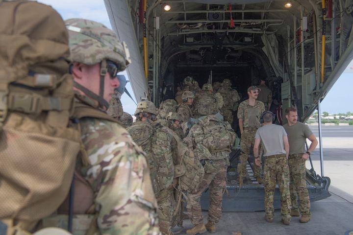 """Militaires américains sur la base dite du """"Camp Lemonnier"""" à Djibouti, le 5 janvier 2020 (REUTERS - US AIR FORCE / X80024)"""