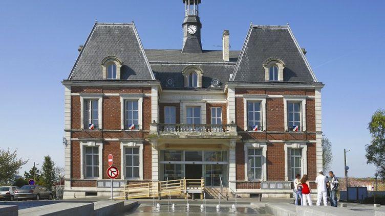 La mairie de Noisy-le-Grand (Seine-Saint-Denis) est passée à droite, le 20 septembre 2015, après la victoire deBrigitte Marsigny (LR). (MOULU PHILIPPE / HEMIS.FR / AFP)