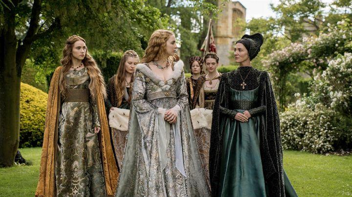 Jodie Comer (au centre) et Michelle Fairley (à droite) se donnent la réplique dans The White Princess. (Aimee Spinks)
