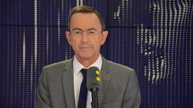 Bruno Retailleau, président du groupe LR au Sénat, invité de franceinfo le 19 juillet 2018. (JEAN-CHRISTOPHE BOURDILLAT / RADIO FRANCE)