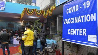 Un centre de vaccination en Inde, le 2 janvier 2021. (PRAKASH SINGH / AFP)