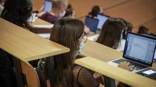 Des élèves en faculté de médecine, le 7 septembre 2020. Photo d'illustration. (LUC NOBOUT / MAXPPP)