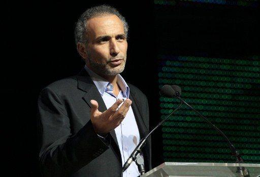 L'intellectuel Tariq Ramadan plaide pour une meilleure intégration des musulmans en Europe mais on lui reproche d'avoir un double discours (JACQUES DEMARTHON / AFP)