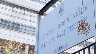 Un enseignant de 60 ans atteint du Covid-19 est décédé dans la nuit du mardi 25 au mercredi 26 février à l'hôpital de la Pitié-Salpêtrière, à Paris. (FRANCE 3)