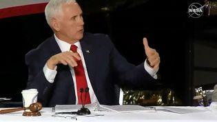 Le vice-président des Etats-Unis, Mike Pence, durantune réunion du Conseil national de l'espace, à Huntsville, dans l'Alabama, le 26 mars 2019. (HO / NASA TV / AFP)
