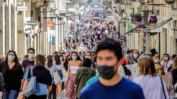 Le port du masque est obligatoire dans le centre-ville de Bordeaux. (BONNAUD GUILLAUME / MAXPPP)