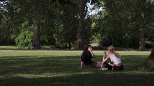 Coronavirus : le Royaume-Uni gardent ses parcs ouverts (FRANCE 3)