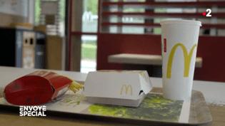 """""""Envoyé spécial"""" a testé le tri sélectif dans les fast-foods : sur votre plateau McDo, qu'est-ce qui sera recyclé ? (ENVOYÉ SPÉCIAL  / FRANCE 2)"""
