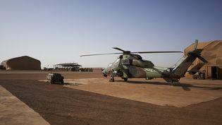 Un hélicoptère Tigre sur une base militaire française, à Gao (Mali), le 8 novembre 2019. (MICHELE CATTANI / AFP)
