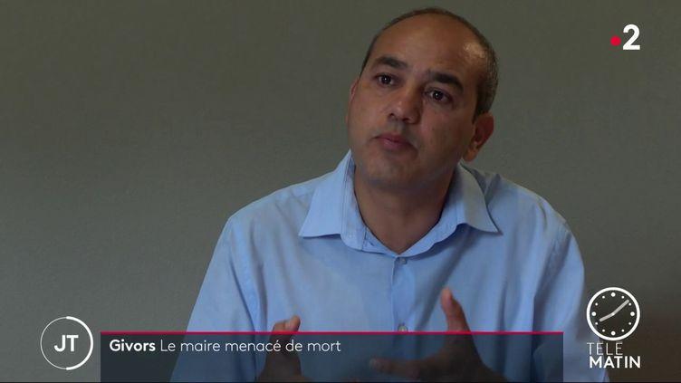 Le maire de Givors Mohamed Boudjellaba (France 2)