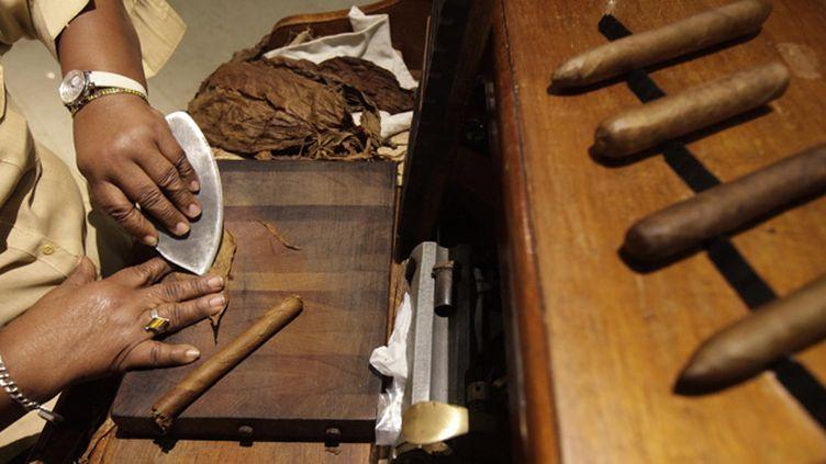 (A Cuba, les producteurs de cigare se préparent à une révolution © REUTERS   Enrique De La Osa)