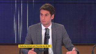 Gabriel Attal, porte-parole du gouvernement, était l'invité de franceinfo vendredi 28 mai 2021. (FRANCEINFO / RADIO FRANCE)