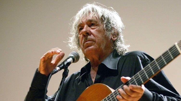 Paco Ibañez en concert à Ille-sur-Tet (Pyrénées-Orientales) le 18 avril 2011  (FLAMAND THIERRY/SIPA)