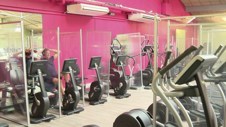Pass sanitaire : les salles de sport dans la tourmente (FRANCE 2)