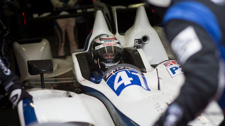 Gaëtan Paletou dans le baquet de la Gibson-Nissan du Greaves Motorsport pendant la journée test des 24 Heures du Mans 2015