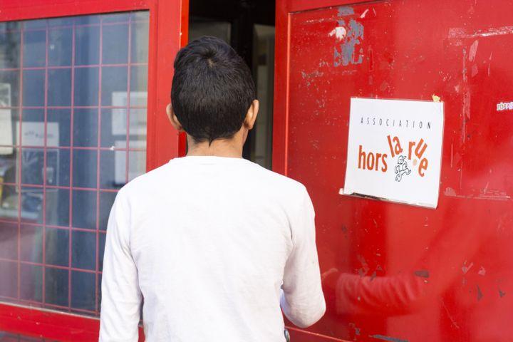 L'association Hors la Rue concentre son action sur les mineurs sans abri. La majorité sont des exilés et des enfants roms. (ANTOINE JEAN LOUIS / AJ PiC)