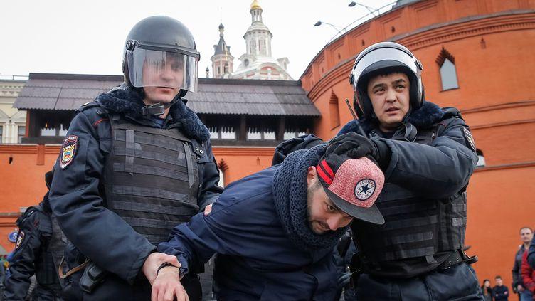 Plusieurs centaines de manifestants ont été arrêtés à Moscou, le 26 mars 2017. (? MAXIM SHEMETOV / REUTERS / X90156)